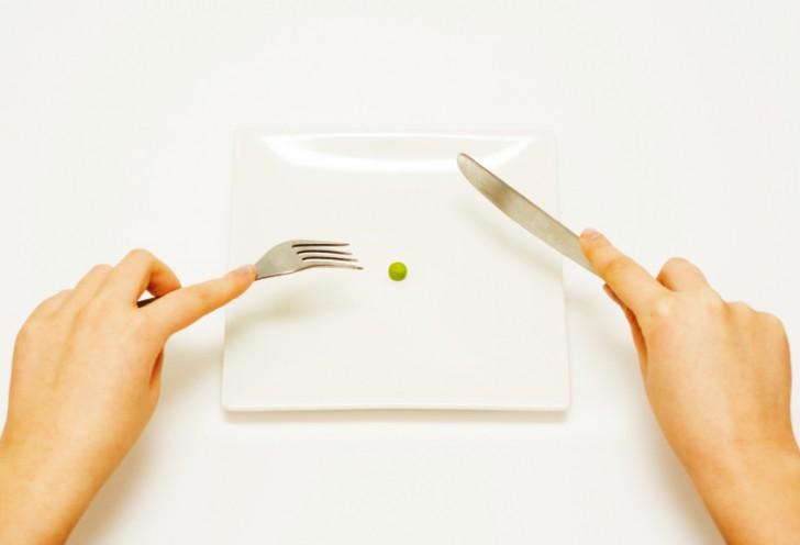 9 indicios de que tu hija puede tener bulimia
